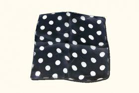 Foulard en soie noir a pois blanc 22,5 x 22,5 cm   Tours et ... e819b033602